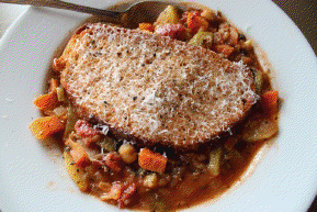Minestrone Soup with Farro